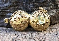 Antique Victorian 14k Yellow Gold ZODIAC HOROSCOPE Pisces Peridot Locket Pendant