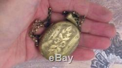 Antique-Victorian-Gold-Filled-Oval-Locket-Necklace-Estate-Locket floral design